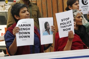 Women's groups protest in Delhi